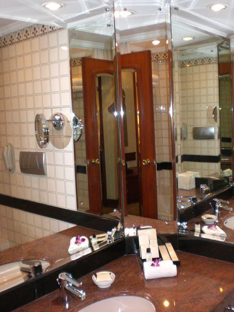 taj bathroom
