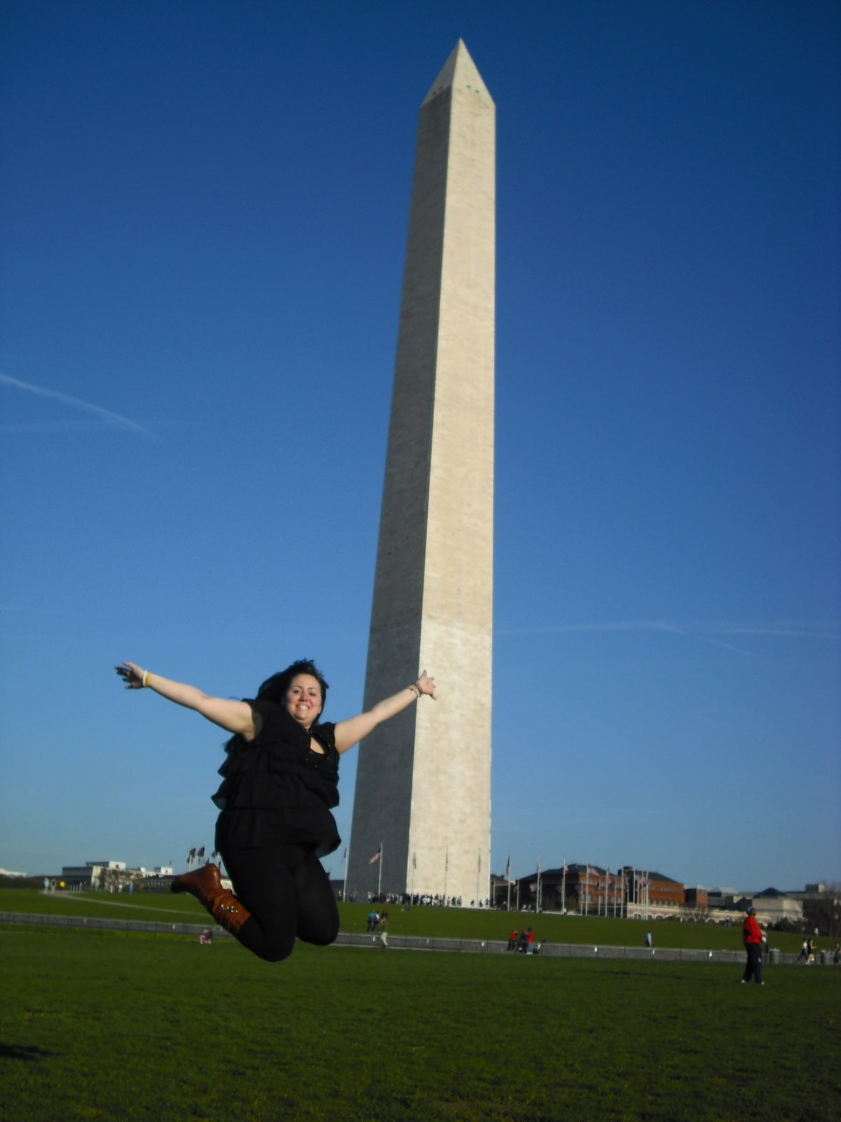 deniz jumping in front of the washington monument