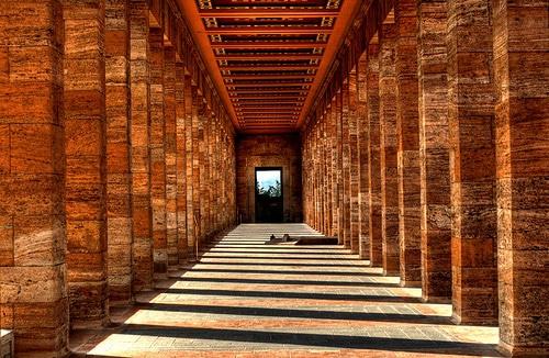anitkabir columns