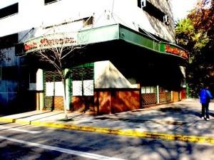 How To Order Lomito At La Fuente Alemana In Santiago, Chile