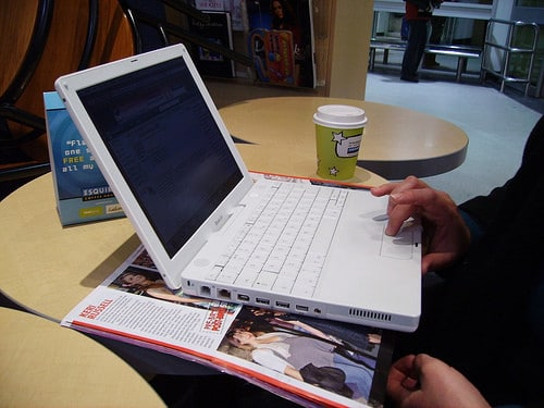 laptop in coffee shop