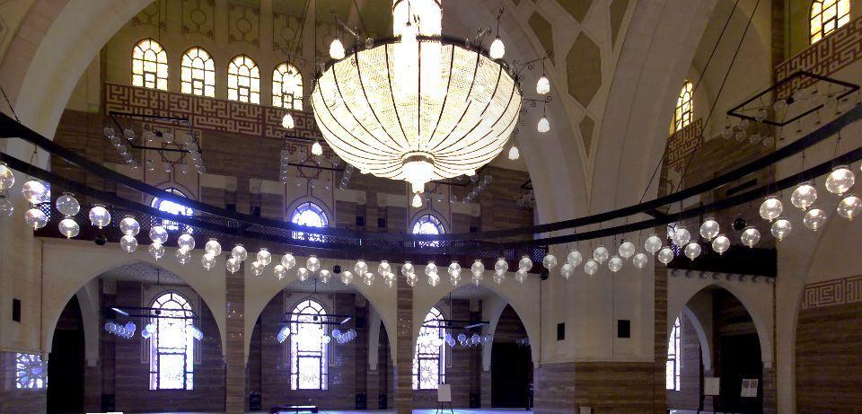 al fateh mosque bahrain interior