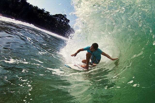 surfing isla grande panama