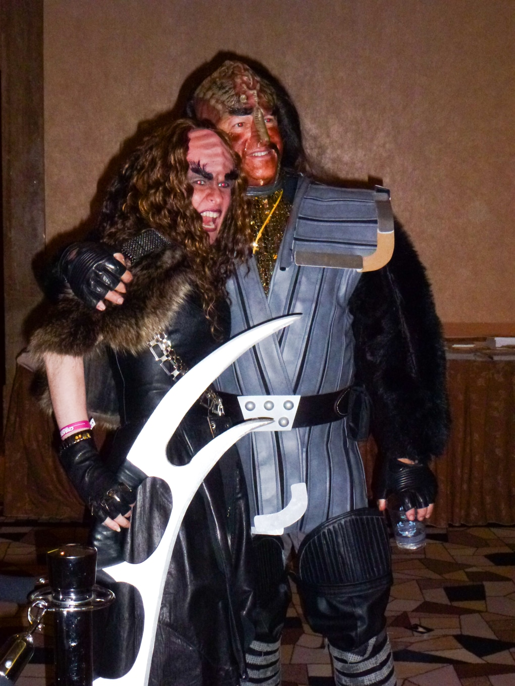 klingon bat'leth star trek convention