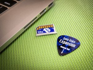 Double Your Macbook Storage: A Review Of The Coin-Sized TarDisk Expansion Card