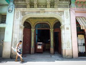 Where To Find Bottled Water In Havana, Cuba